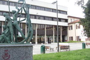 Piazza della Resistenza e il monumento